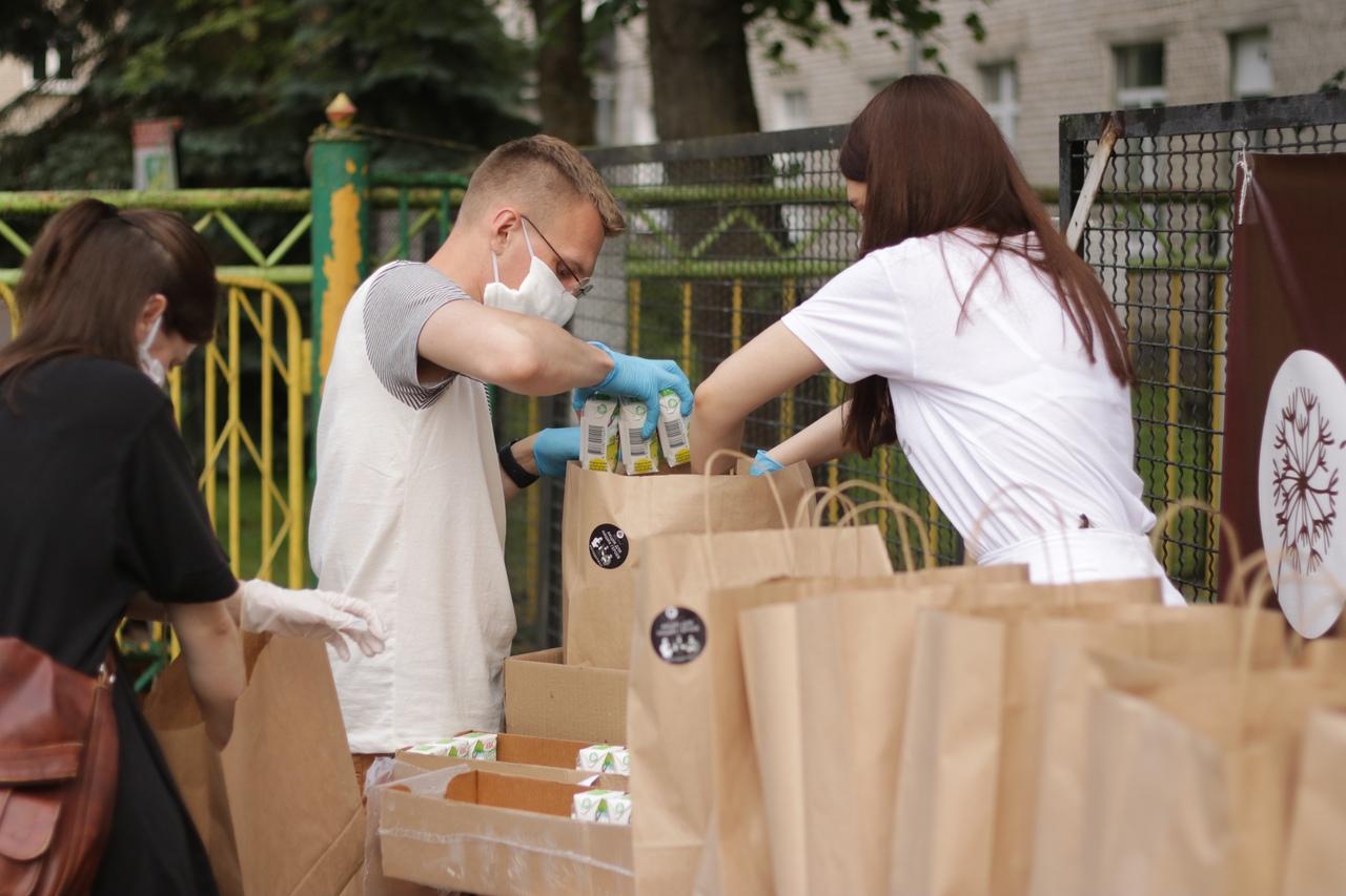 (Русский) Компания АВС приняла участие в благотворительной акции для медиков